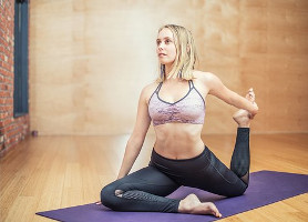 7 Tips to reduce stress Yoga Beauty Over 40